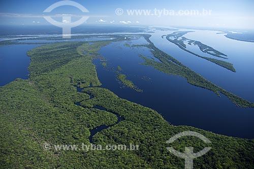 Assunto: Vista aérea do Parque Nacional Jaú / Local: Rio Negro acima de Manaus - Amazonas (AM) - Brasil / Data: Junho de 2007