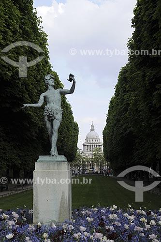Assunto: Jardim de Luxemburgo com Pantheon ao fundoLocal:  Paris / FrançaData: Maio 2009