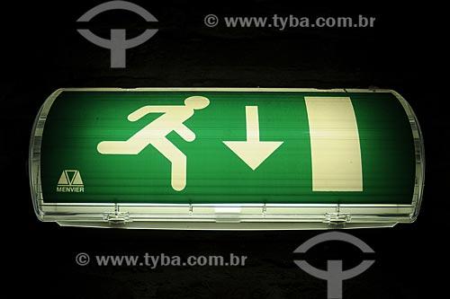 Assunto: Placa de sinalização de saída de emergência / Local: Amsterdam - Holanda / Data: Maio 2009