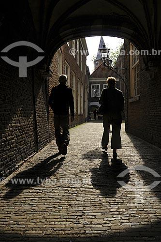 Assunto: Silhueta de pessoas / Local: Delft - Holanda / Data: Maio 2009