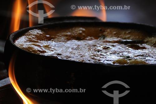 Assunto: Moqueca Capixaba (Culinária) - Restaurante Siri na Lata - Cooperativa das Desfiadeiras de Siri da Ilha das Caieiras. Patrimônio Imaterial tombado /Local: Vitória - ES /Data: Março de 2008