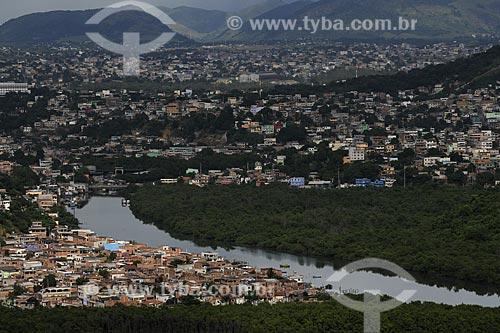 Assunto: Vista a partir do Morro da Jaburuna mostrando o Rio Aribiri com o bairro de Ataíde e Santa Rita ao fundo / Local: Vila Velha - ES /Data: Março de 2008