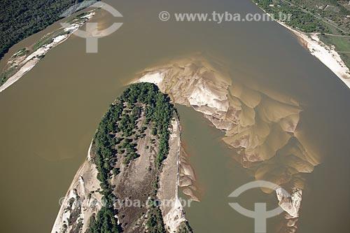 Assunto: Vista aérea de ilha do rio Araguaia, na época seca, quando aparecem as praias, na região do Cerrado / Local: perto de Luciara e São Félix do Araguaia - divisa de Mato Grosso e Tocantins - Brasil / Data: Junho de 2006