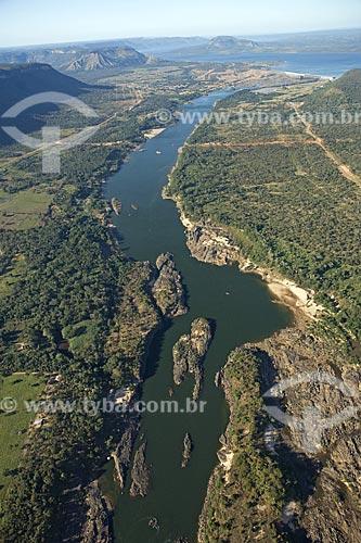 Assunto: Represa da UHE (Usina Hidrelétrica) Lajeado, no rio Tocantins - jusante do dique (barragem) / Local: Tocantins (TO) - Brasil / Data: Junho de 2006