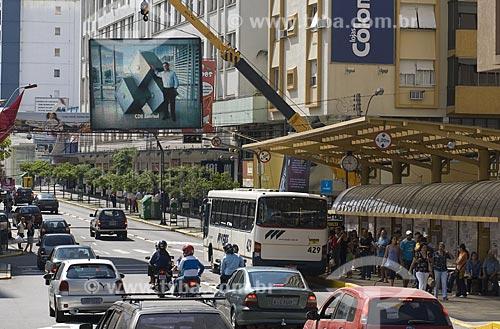 Assunto: Tráfego na Rua Sinimbu / Local: Caxias do Sul - Rio Grande do Sul - Brasil / Data: 03/2008