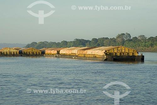 Asunto: Chata de transporte de soja no Rio Madeira / Local: Porto Velho - Rondônia - Brasil / Data: 06/2008