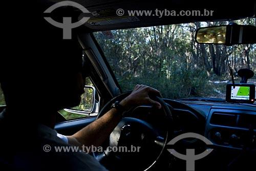 Assunto: GPS no interior de carro no Parque Estadual do Rio Vermelho / Local: Florianópolis - Santa Catarina (SC) - Brasil / Data: 03/05/2009