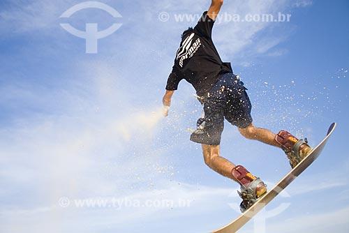 Assunto: Sandboard nas dunas da Praia do Siriú / Local: Garopaba - Santa Catarina (SC) - Brasil / Data: 24/05/2009