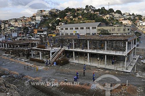 Construção de escola e unidade de recolocação habitacional onde foi a antiga fábrica de lingeries Poesi  na estrada do Itararé 480 - Obras do PAC - Programa de Aceleração do Crescimento  - Rio de Janeiro - Rio de Janeiro - Brasil