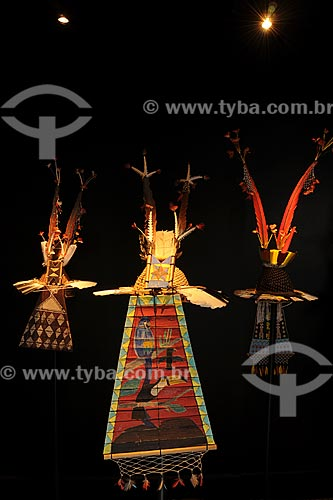 Chapéus utilizados pelos índios homens na cerimônia do Turé - Povos indígenas do Oiapoque, vivem na fronteira do Brasil com a Guiana Francesa: Karipuna; Galibi; Galibi-marworno; Palikur - Museu do Índio - Uso educacional  - Rio de Janeiro - Rio de Janeiro - Brasil