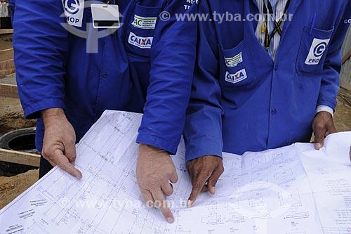 Assunto: PAC Rocinha - Engenheiros trabalhando / Local: Rocinha - Rio de Janeiro (RJ) / Data: 21/7/2009