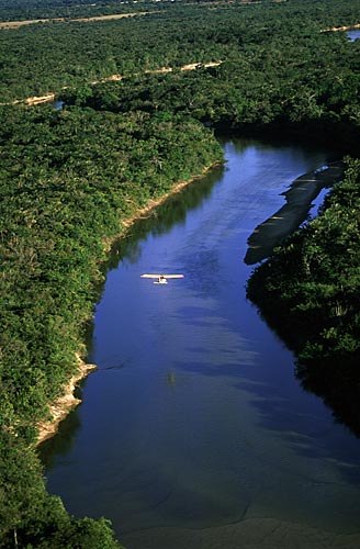 Assunto: Ultraleve sobre o Rio Cauamé / Local: Boa Vista - Roraima (RR) - Brasil / Data: Março de 2009