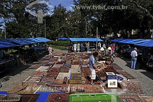 Assunto: Feira de antiguidades da praça do jóquei clube / Local: Gávea - Rio de Janeiro - RJ / Data: Julho de 2009