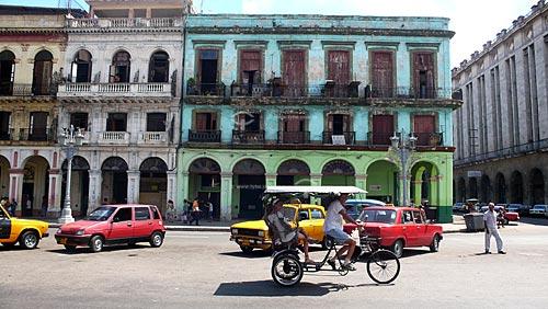 Assunto: Triciclo em Havana / Local: Cuba / Data: outubro 2009