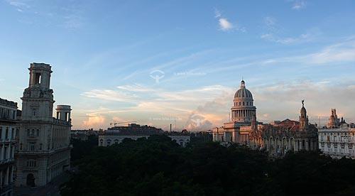 Assunto: Vista parcial do Capitólio e do Gran Teatro de la Habana (Grande Teatro de Havana) entre outros edifícios / Local: Havana - Cuba / Date: outubro 2009