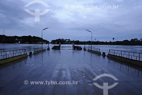 Assunto: Travessia de balsa entre Ipixuna e Tome-Acu / Local: Pará - Brasil / Data: 31-03-2009