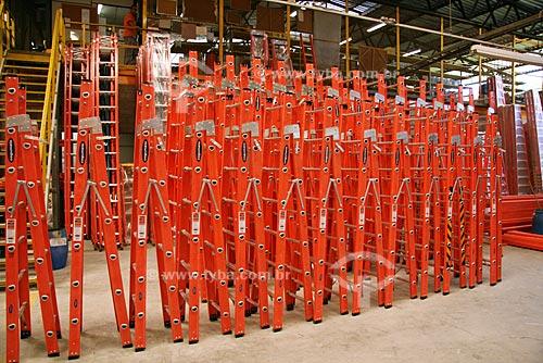 Assunto: Fábrica da empresa Cogumelo - Escadas de fibra de vidro e alumínio  / Local:  Campo Grande - Rio de Janeiro - RJ - Brasil  / Data: 03/11/2009