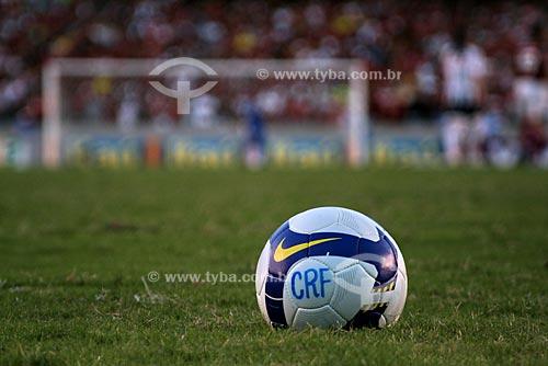Assunto: Bola de futebol no gramado do Estádio Mário Filho (Maracanã) - Flamengo x Santos  / Local:  Maracanã - Rio de Janeiro - RJ - Brasil  / Data: 31/10/2009