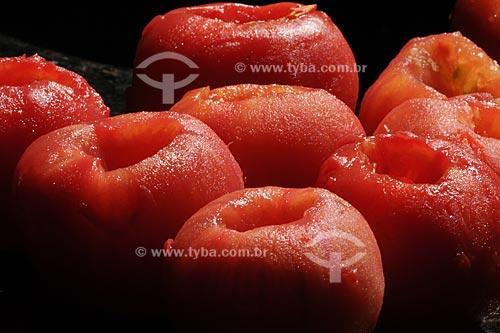 Assunto: Tomates descascados  / Local:  Fagundes - Secretário - Petrópolis - RJ  / Data: 21/02/2009