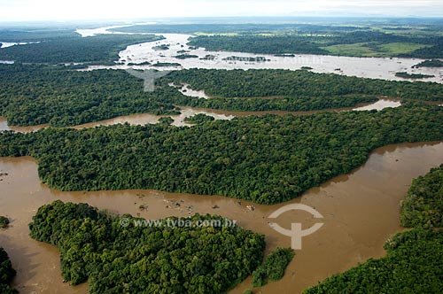 Assunto: Vista aérea do Rio Branco e as cachoeiras do Bem-Querer  / Local:  25km ao norte de Caracaraí - Roraima - Brasil  / Data: Janeiro de 2006