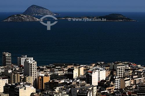 Assunto: Prédios de Ipanema vistos do Morro Pavão Pavãozinho com Ilhas Cagarras ao fundo / Local: Rio de Janeiro / Data: outubro 2009
