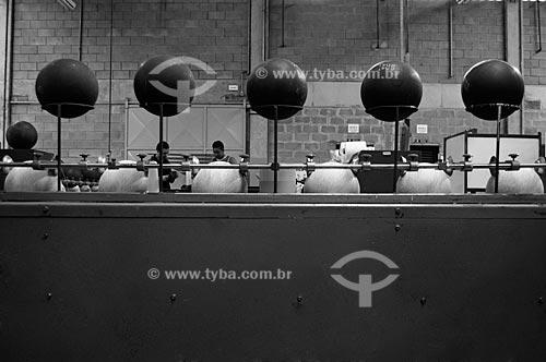 Assunto: Ensaio sobre a fabricação da bola de futebol - Fábrica da Penalty (Para uso editorial sob consulta) / Local:  Itabuna - Bahia  / Data: 25/08/2009