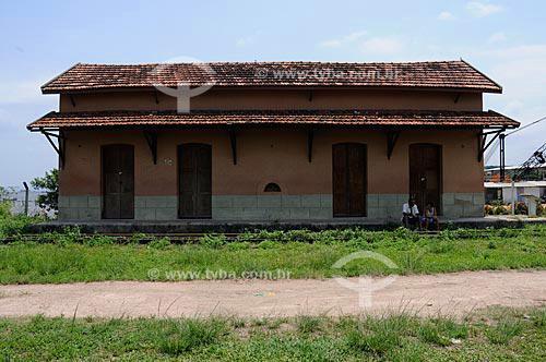 Estrada de Ferro Barão de Mauá, segundo o IPAHB (Instituto de Pesquisas e Análises Históricas e de Ciências Sociais da Baixada Fluminense), o primeiro trecho da ferrovia foi inaugurado em 30 de abril de 1854, hoje considerado o