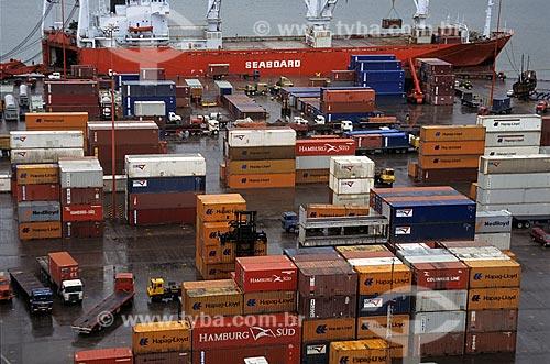 Assunto: Containers para Exportação no porto de Valparaíso / Local: Valparaíso - Chile / Data: 1999