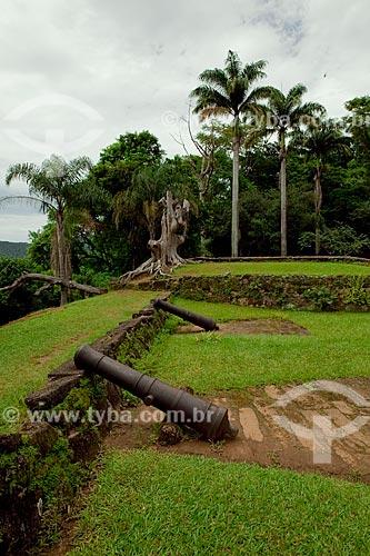 Assunto: Canhão no jardim do antigo Forte Defensor Perpétuo (1703) , hoje Centro de Artes de Tradições  Populares de Paraty   / Local:  Paraty - Costa Verde - Rio de Janeiro  / Data: Janeiro 2010