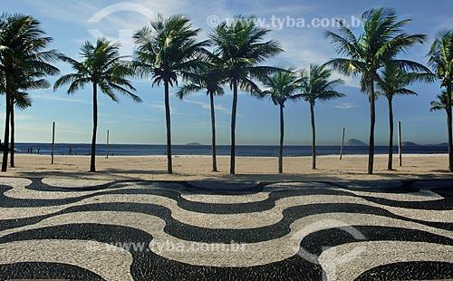 Assunto: Calçadão de copacabana, na frente da praia  / Local:  Rio de Janeiro (RJ) - Brasil  / Data: Dezembro de 2009