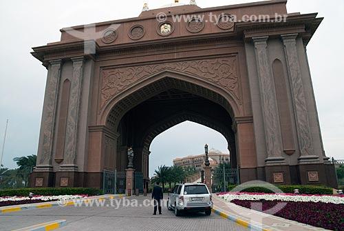 Assunto: Vista de um dos portais auxiliares do Emirates Palace Hotel  / Local:  Abu Dhabi - Emirados Arabes Unidos  / Data: 01/2009