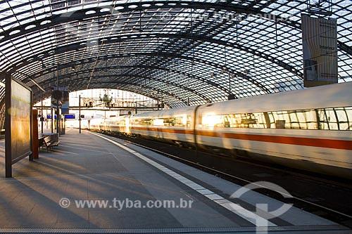 Assunto: Interior da Estação Ferroviária Central de Berlim (Berlin Hauptbahnhof), a maior estação ferroviária de interseção da Europa  / Local:  Berlim - Alemanha  / Data: 12/01/2009