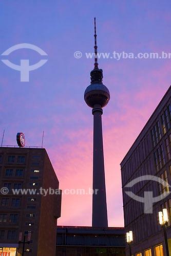 Assunto: Torre de TV (Fernsehturm) na Alexanderplatz  / Local:  Berlim - Alemanha  / Data: 20/01/2009