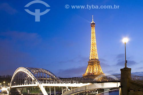 Assunto: Passerelle Debilly (Passarela Debilly) e Torre Eiffel  / Local:  Paris - França  / Data: 27/01/2009