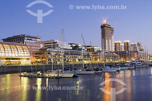 Assunto: Puerto Madero à noite  / Local:  Buenos Aires - Argentina  / Data: 12/10/2009