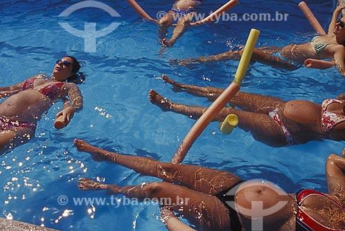 Assunto: Hidroginástica especial para grávidas  / Local:  Rio de Janeiro - RJ - Brasil  / Data: 2004