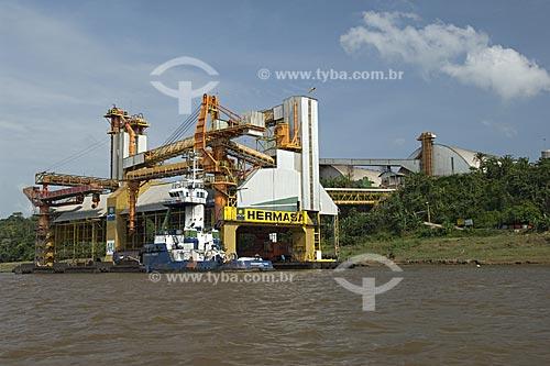 Assunto: Terminal graneleiro de soja da empresa Hermasa Navegação da Amazonia, no rio Amazonas  / Local:  Itacoatiara - Amazonas (AM) - Brasil  / Data: 11/2007