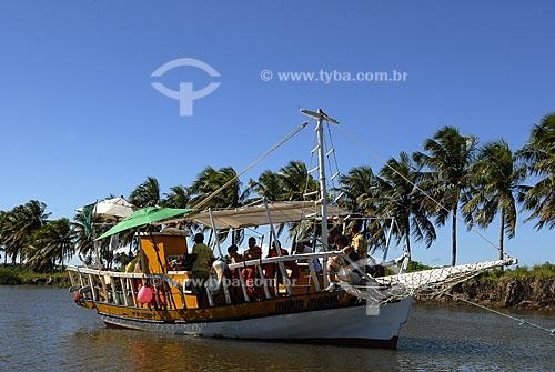 Assunto: Passeio de barco do galego, na Praia das Cacimbinhas  / Local:  Tibau do Sul - Rio Grande do Norte (RN) - Brasil  / Data: 06/2009