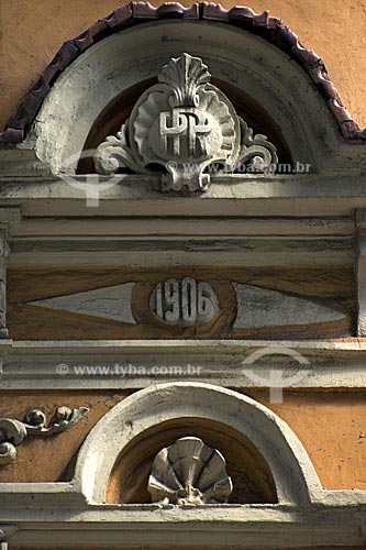 Assunto: Detalhes de arquitetura de edificações históricas na rua Marechal Floriano, antiga rua Larga  / Local:  Rio de Janeiro - RJ - Brasil  / Data: 02/2008