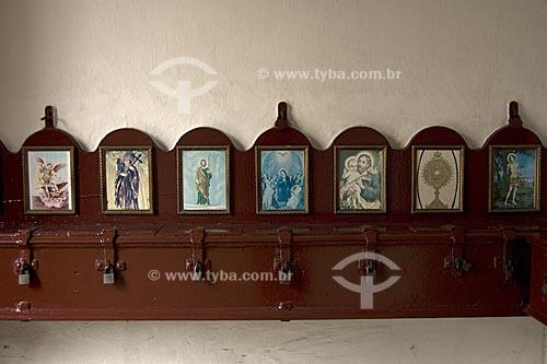 Assunto: Caixa de esmolas da Igreja de Santa Rita, na avenida Marechal Floriano, antiga rua Larga  / Local:  Rio de Janeiro - RJ - Brasil  / Data: 02/2008