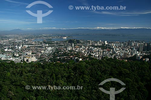 Assunto: Vista de Santa Teresa, Centro e Zona Norte do Rio de Janeiro por cima do Morro da Nova Cintra / Local: Rio de Janeiro - RJ - Brasil / Data: 11/2009