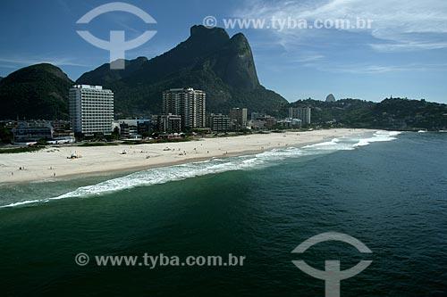 Assunto: Vista aérea da Barra da Tijuca com a Pedra da Gávea ao fundo  / Local:  Rio de Janeiro - RJ - Brasil  / Data: 11/2009