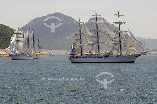 Assunto: Caravelas - Praia de Copacabana  / Local:  Rio de Janeiro - RJ - Brasil  / Data: 02/2010