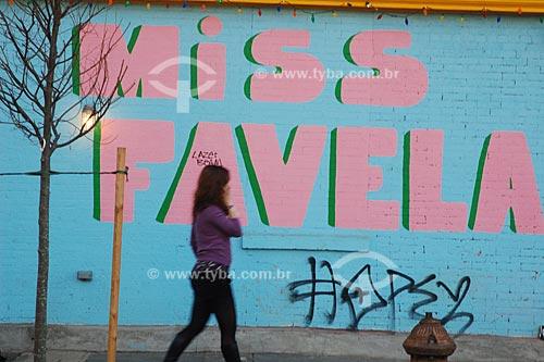 Assunto: Graffite em muro do Brooklyn  / Local:  Nova Yorque - Estados Unidos da América  / Data: 10/2008