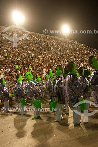 Assunto: Desfile da escola de samba Unidos de Vila Isabel fazendo homenagem ao compositor Noel Rosa na Marquês de Sapucaí - Sambódromo  / Local:  Rio de Janeiro - RJ - Brasil  / Data: 16/02 /2010