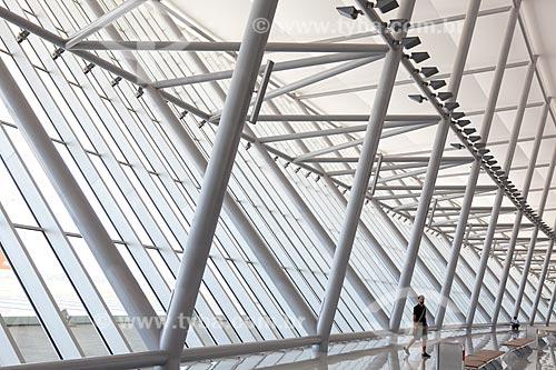 Assunto: Área pública do Aeroporto Internacional de Carrasco - General Cesareo L. Berisso - projeto do arquiteto uruguaio Rafael Viñoly / Local:  Montevidéu - Uruguai  / Data: 10/03/2010