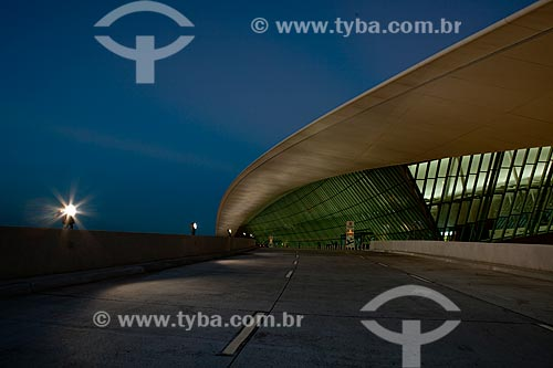 Assunto: Fachada do Aeroporto Internacional de Carrasco - General Cesareo L. Berisso - projeto do arquiteto uruguaio Rafael Viñoly / Local:  Montevidéu - Uruguai  / Data: 10/03/2010