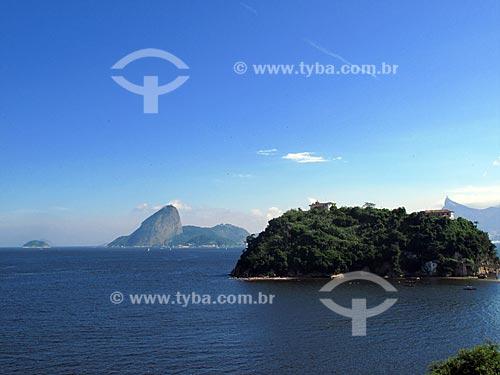 Assunto: Ilha de Boa Viagem e Pão de Açúcar vistos de Niterói  / Local:  Niterói - RJ - Brasil  / Data: 03/2010