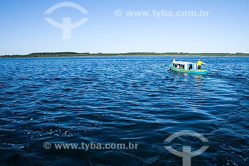 Assunto: Barco para transporte público na Lagoa da Conceição  / Local:  Florianópolis - Santa Catarina (SC) - Brasil  / Data: 09/2009