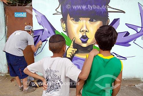 Assunto: Mutirão de graffitii na favela da Divisa, no bairro de Costa Barros  / Local:  Rio de Janeiro - RJ - Brasil  / Data: 20/11/2008